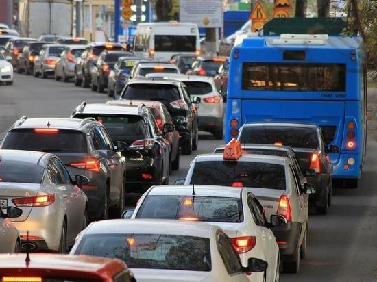Владикавказ коротает автомобильные пробки в сториз и онлайн-чатах