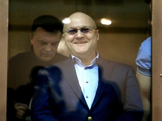 Дрыманов обвинил сотрудников ФСБ в пьянстве и непристойностях после обысков