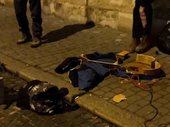 Во Львове уличный музыкант пострадал из-за песни на русском языке