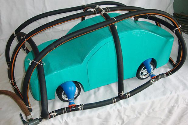 Ученые на Северном Кавказе создали зонт для защиты автомобиля от града