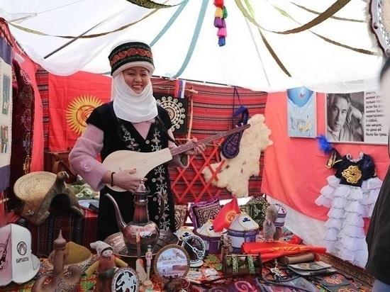 Регион отметил День народного единства массовыми гуляньями