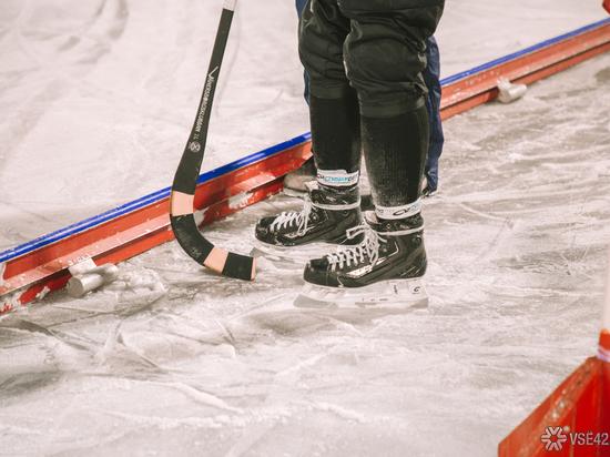 """Хоккейный """"Кузбасс"""" победил гостей из Мурманска в рамках чемпионата страны с большим отрывом"""