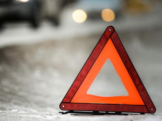 В Хакасии пешеход попала в больницу после ДТП из-за собственной беспечности
