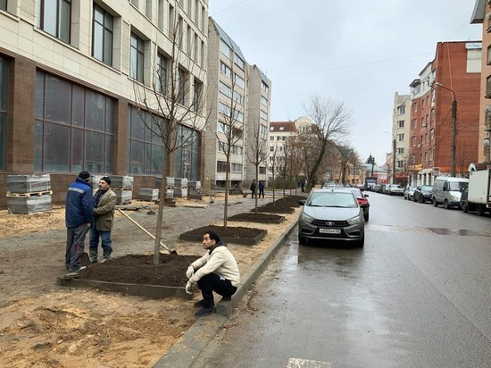 Новый офисный центр в Калуге отказался от парковки ради газона