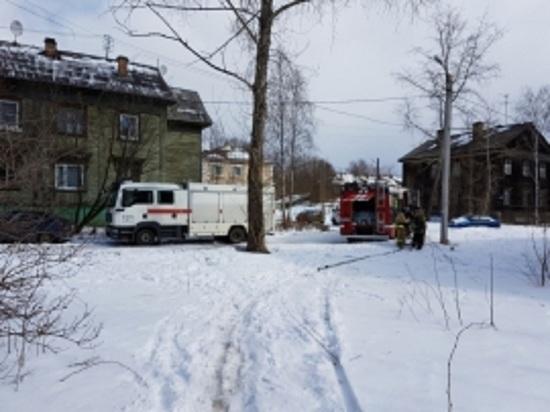 Новенький частный дом в Няндоме тушили четырьмя машинами