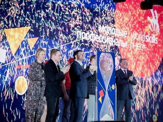 Победители WorldSkills Hi-Tech-2019 получили  по миллиону рублей