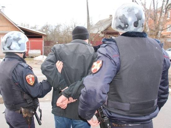 В Рдеве сотрудники Управления росгвардии задержали мужчину, похитившего из частного дома радиаторы