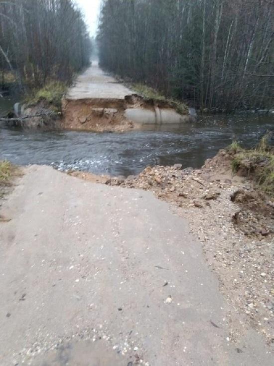 Губернатор поручил до вечера восстановить дороги в Тверской области
