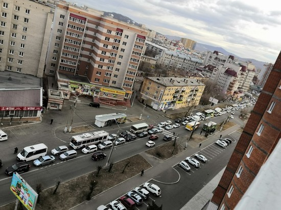 ДТП парализовало движение на Шилова в Чите