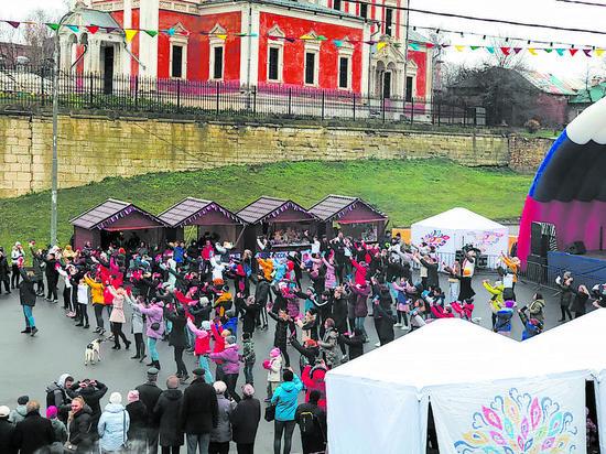 В Серпухове прошли гулянья по случаю государственного праздника