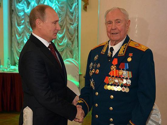 Маршал Дмитрий Язов встречает 95-летний юбилей