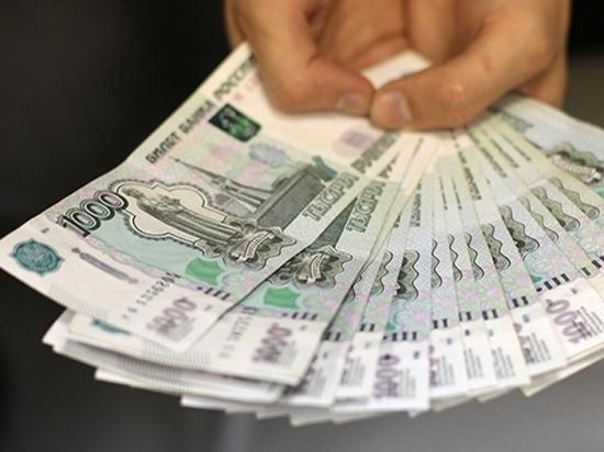 Работник салона сотовой связи в Хабаровске крал деньги со счетов клиентов