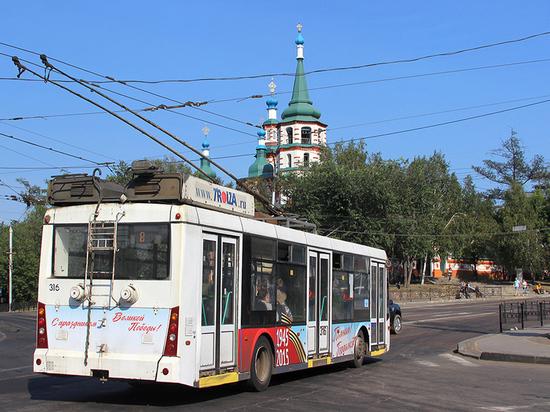 На Академическом мосту тестируют запуск троллейбусов