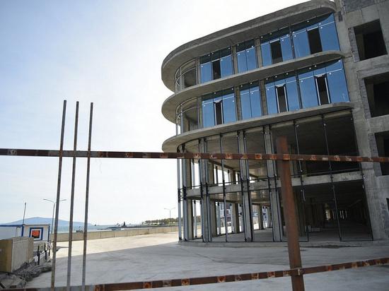 Кондратьев призвал разобраться с продажей апартаментов в прибрежной зоне Новороссийска
