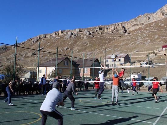 Волейбольный турнир на новой спортивной площадке прошел в Ингердахе