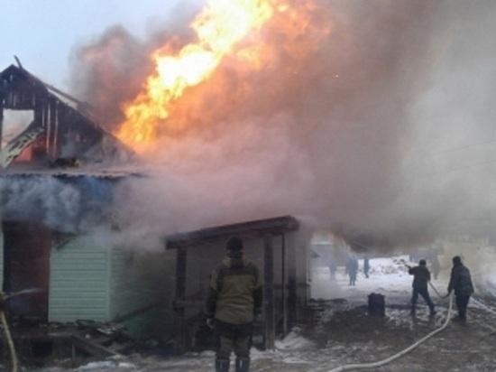 В Яреньге сгорел единственный на всю деревню магазин