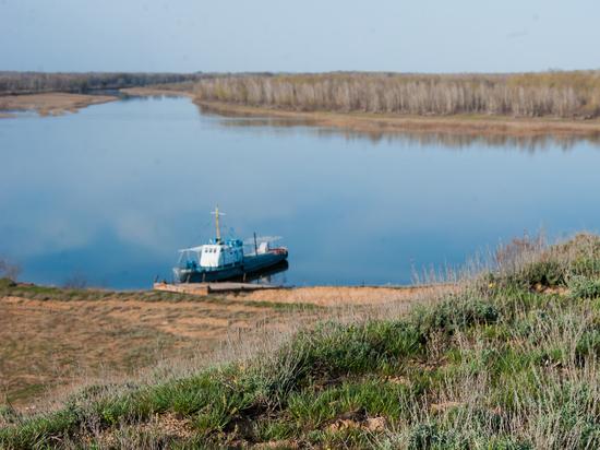 В Астраханской области ищут тело утонувшего мужчины