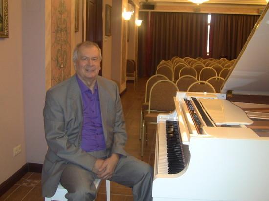 Композитора песен для И.Кобзона и Л.Лещенко отыскали мертвым в столице