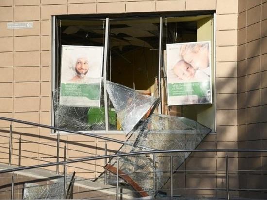 На западе Волгограда неизвестные взорвали офис Сбeрбанка