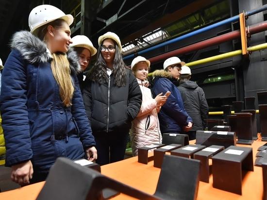Челябинские восьмиклассники увидели, как производят балку