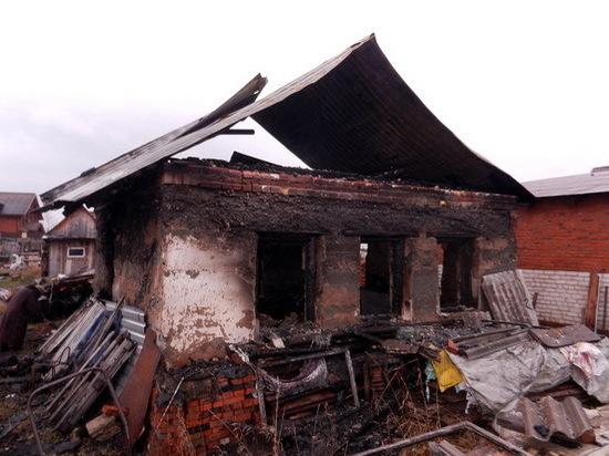 В поселке Сурок из-за короткого замыкания сгорел жилой дом