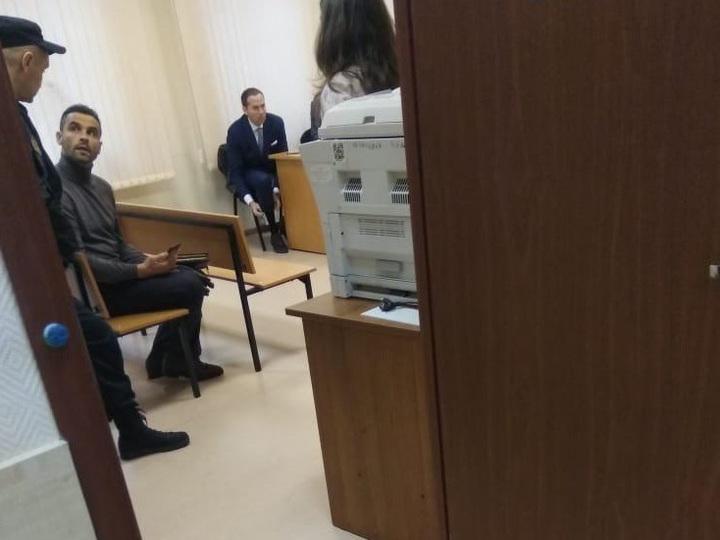 Суд отказался расторгнуть брак Лолиты Милявской спятым мужем: детали  ситуации