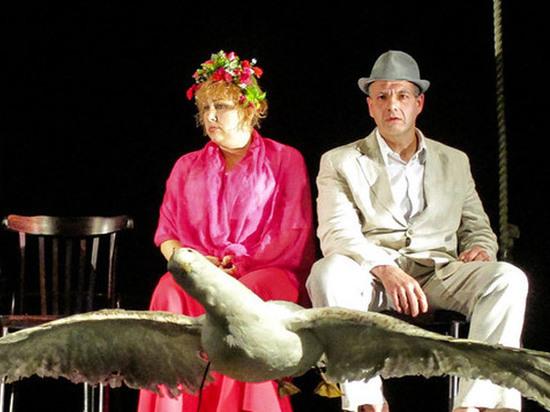 Россошанский театр представил «Чайку» эксцентричной комедией