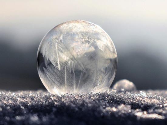 Финский берег покрылся ледяными шарами: опубликовано завораживающее фото