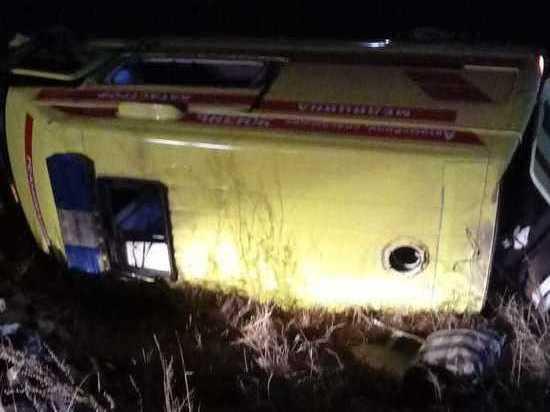 Медсестра погибла в перевернувшейся скорой помощи под Читой – очевидцы