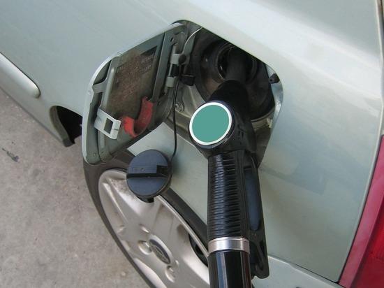 Волгоградстат: бензин в Волгоградской области немного подорожал