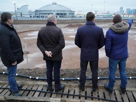 Мэр осмотрел площадку для аквапарка на Взлетке