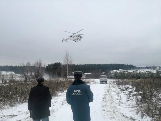 Вертолетчики на реке Молома обнаружили унесенные мосты