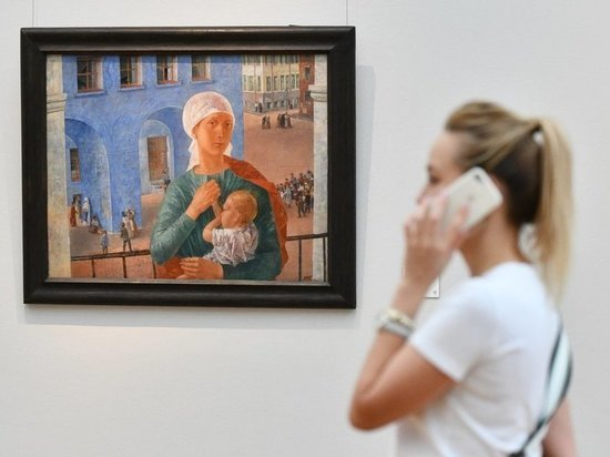 Молодую мать выгнали из Третьяковской галереи за кормление грудью
