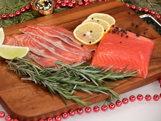 Дороговато, но полезно: три жизненно важных свойства красной рыбы