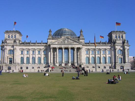 Берлин отказывается от «особых отношений» сМосквой ради Евросоюза