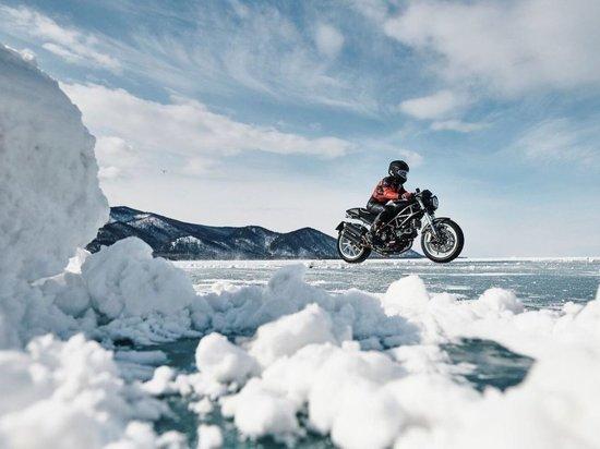 На телеканале «Дискавери» покажут фильм про гонки на льду в Бурятии