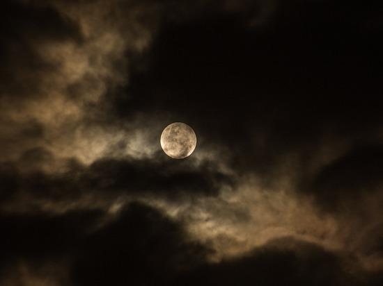 Астрологи рассказали, что предвещает «бобровое» полнолуние  во вторник