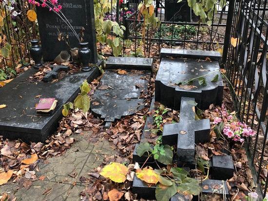 Вандалы устроили погром на Медведковском кладбище
