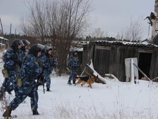 Троих беглецов из колонии строгого режима разыскивали 300 бойцов и 15 собак