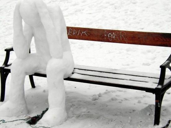 В Новосибирске мужчина украл металлическую лавочку, и не в первый раз