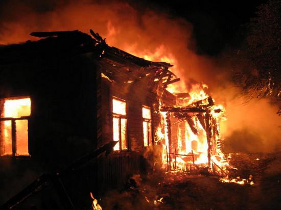 В Хакасии сгорел частный дом с людьми
