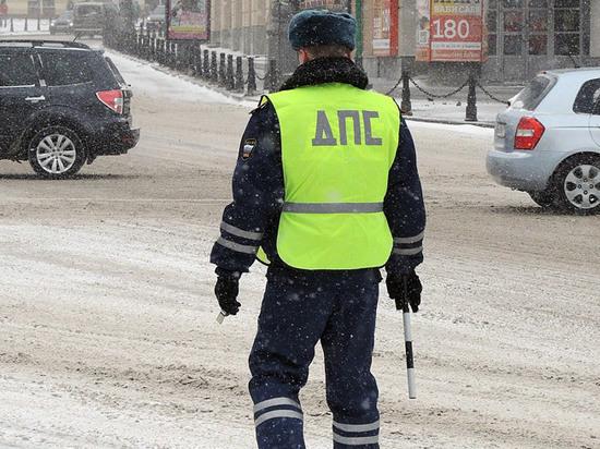 Разворот через сплошную, квадратные светофоры: в России готовят новые ПДД