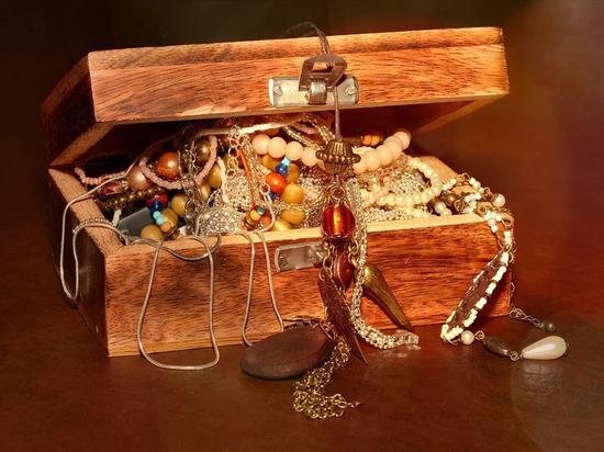 Кому из знаков зодиака нельзя носить золотые украшения