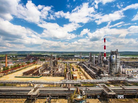 Ангарские нефтехимики рассказали, как контролируют качество продукции