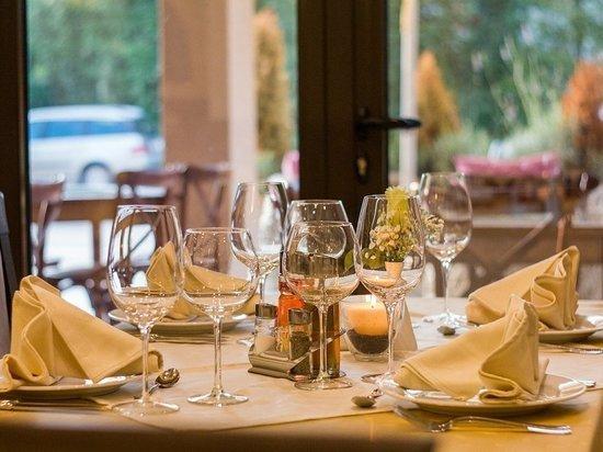 Ученые рассказали о серьезной опасности позднего ужина
