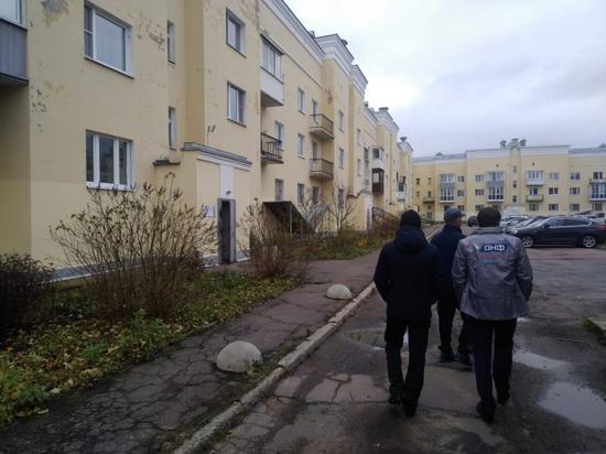В Петергофе Герои России 13 лет живут в доме без света и горячей воды