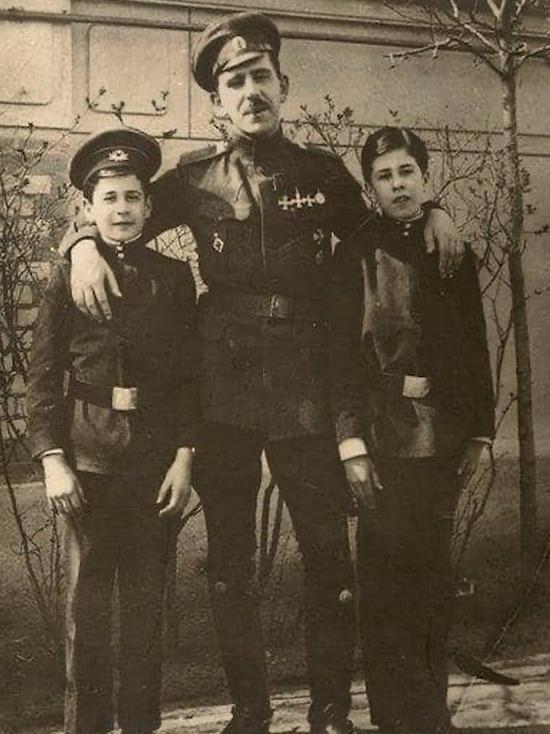 Открыт памятный стенд о еврейском гусаре, герое Первой мировой войны