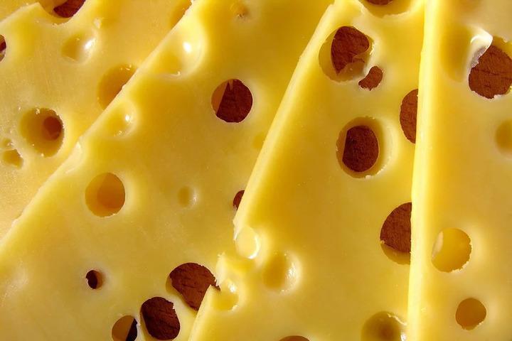 Эксперты рассказали, чем полезен сыр для здоровья