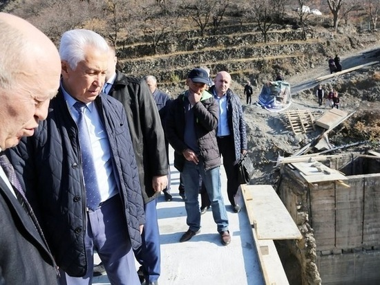 Погорельцы Дагестанского села получат помощь от Путина