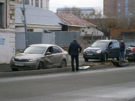 В центре Оренбурга произошла авария